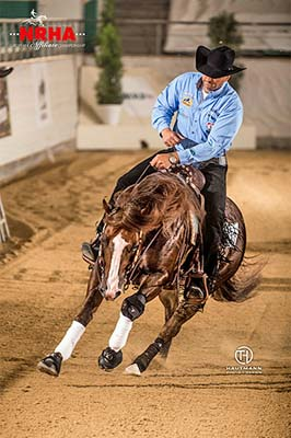 "NRHA Million Dollar Rider Bernard Fonck rode ""What A Wave"" (© Thomas Hautmann)"